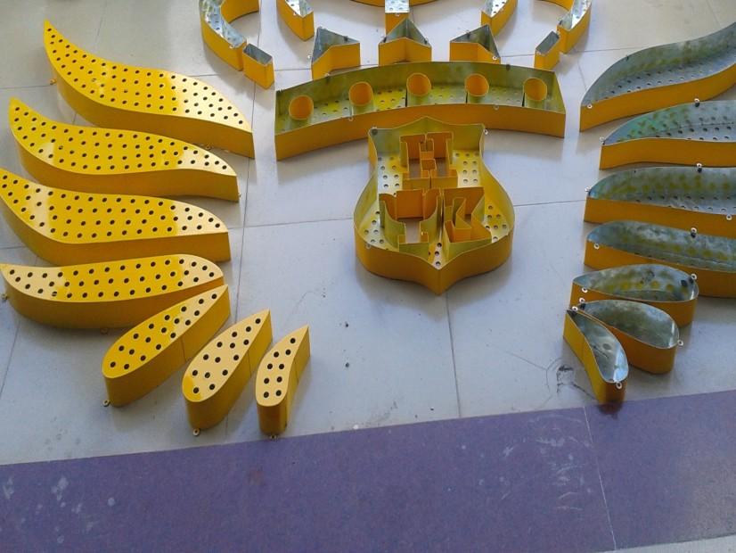 彩钢扣板招牌_好声音KVT全彩LED广告招牌制作工程